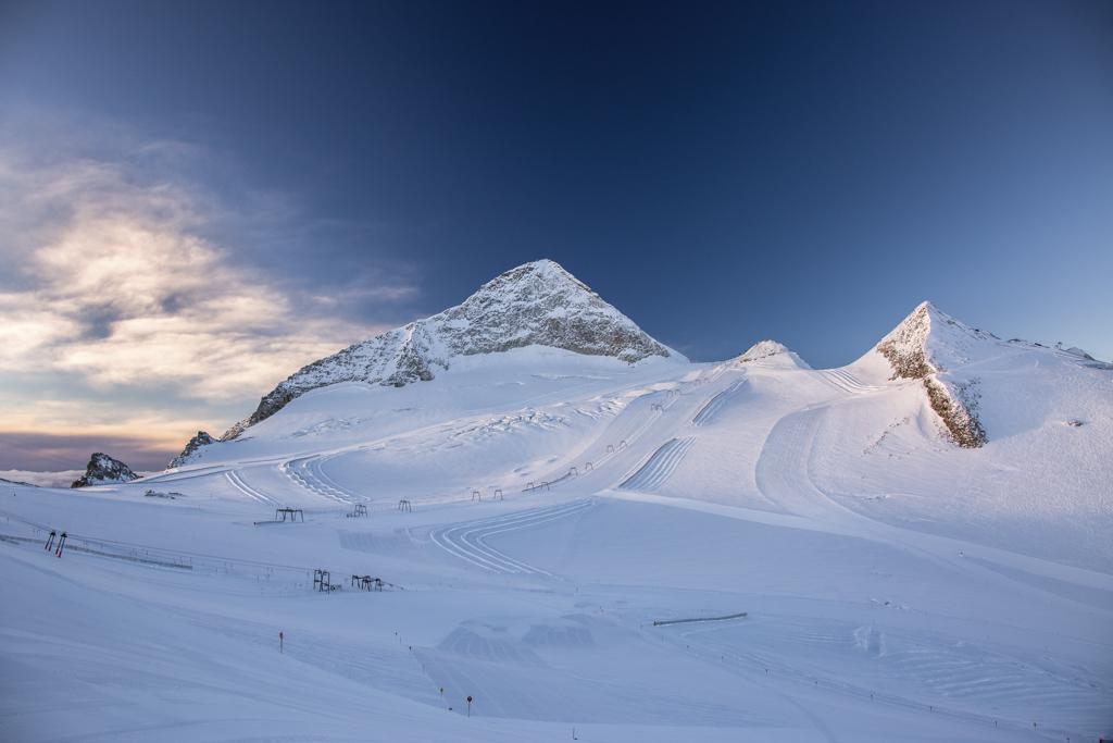 Hintertuxer Gletscher bei Sonnenaufgang