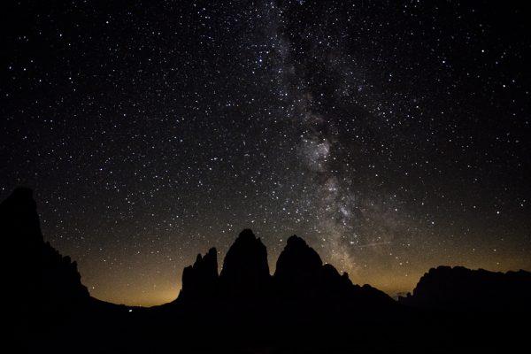Drei Zinnen und Umgebung bei Tag und Nacht
